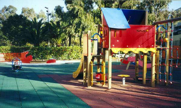 Suelos de caucho reciclado suelos para parques - Suelos vinilicos infantiles ...