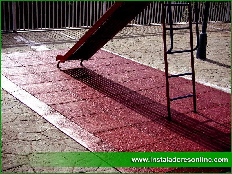 Pavimentos de caucho reciclado pavimentos para parques - Pavimentos para jardines ...