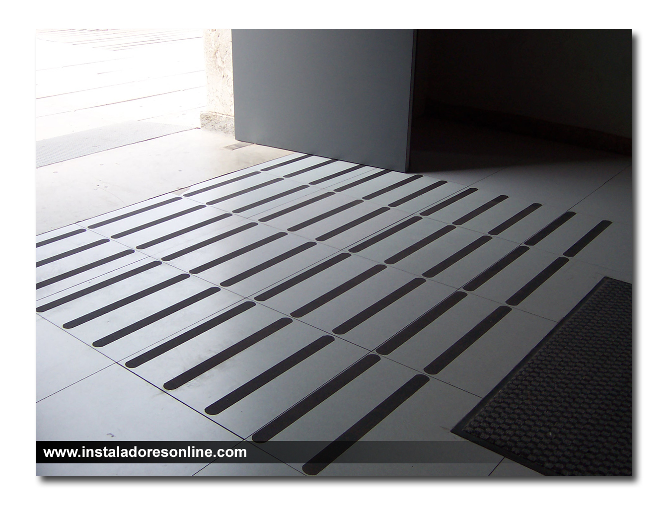Pisos antideslizantes para ba os discapacitados - Antideslizante para suelos ...