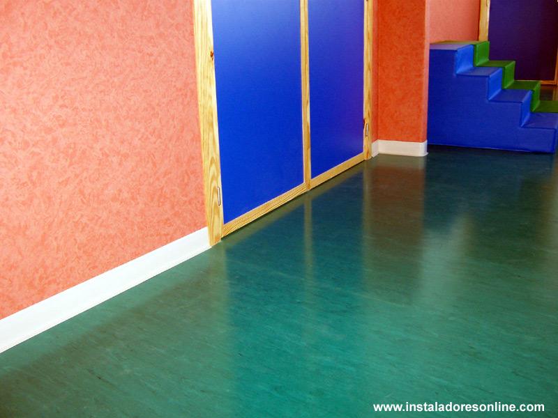 Pavimentos vinilicos pavimentos de pvc ejemplos de for Revestimiento vinilico pared